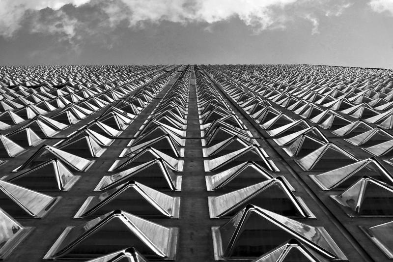 Particolare della facciata dell'Università Iulm/Detail of the façade of Iulm University