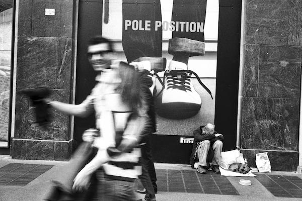 17 MILANO CORSO VENEZIA POLE POSITION 2011 copia - Milano Photofestival