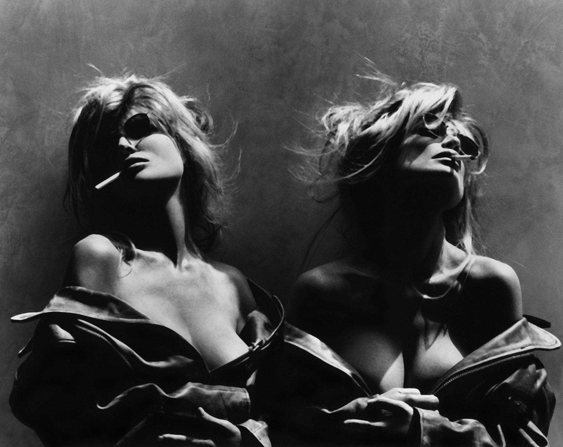 Greg Gorman © Barbi Twins Los Angeles 1992 Courtesy 29 ARTS IN PROGRESS gallery 1 scaled - Milano Photofestival