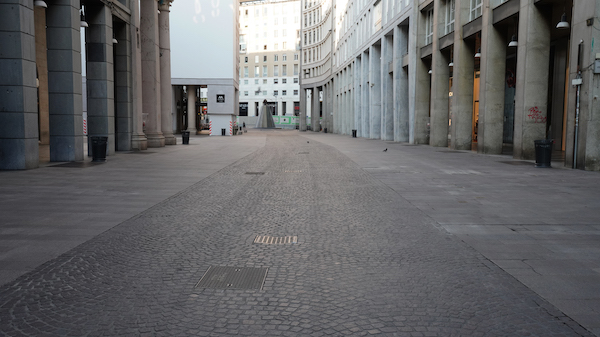 MILANO during Covid 19 tra Duomo e San Babila 5 copia 2 - Milano Photofestival