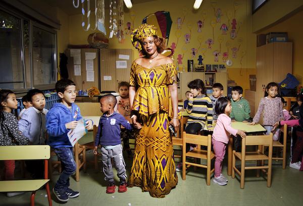 Tutte le ore del mondo A scuola Mareme e gli alunni della classe gialla scuola Marco Polo @FondazioneBracco GeraldBru copia 600 - Milano Photofestival