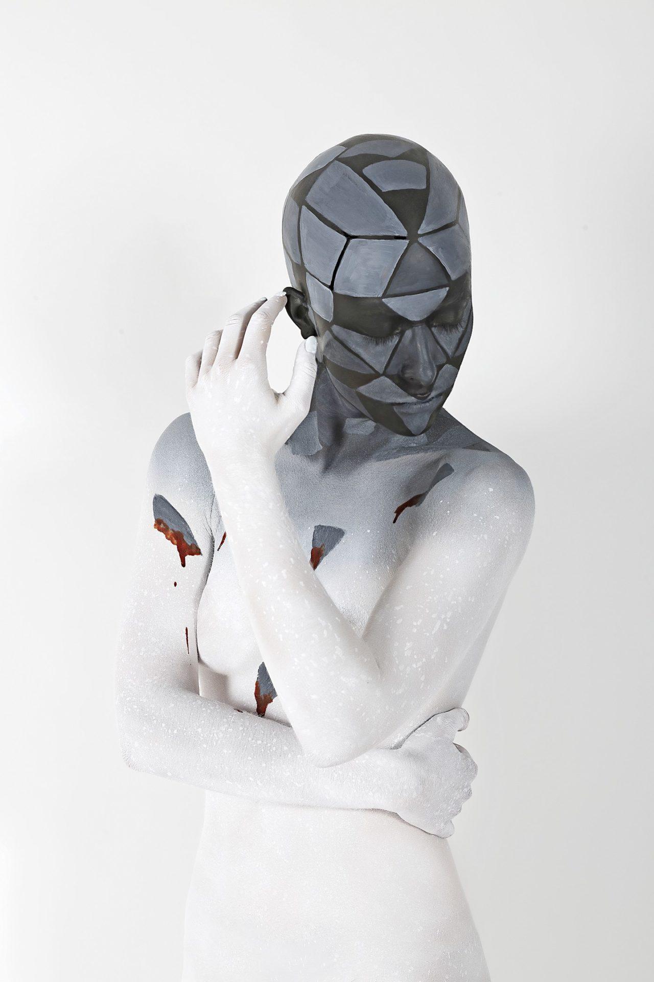 Isolamento sociale attraverso il Body Painting